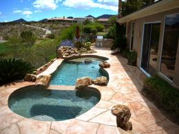 Wide Cut Flagstone Pool Deck