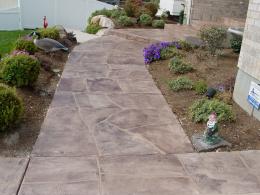 Wide Cut Flagstone Walkway