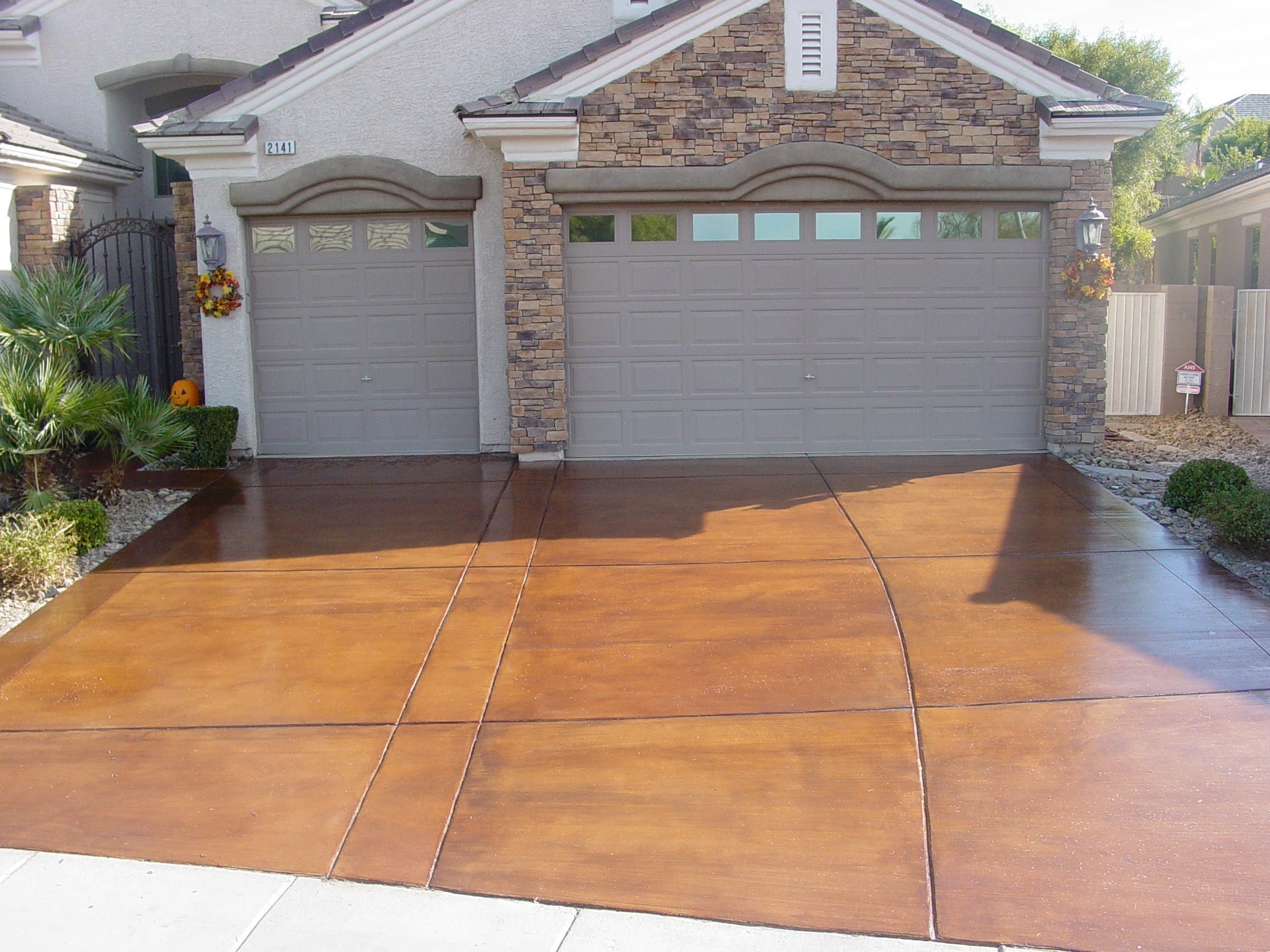 Decorative concrete driveways concrete texturingconcrete for Concrete driveway designs